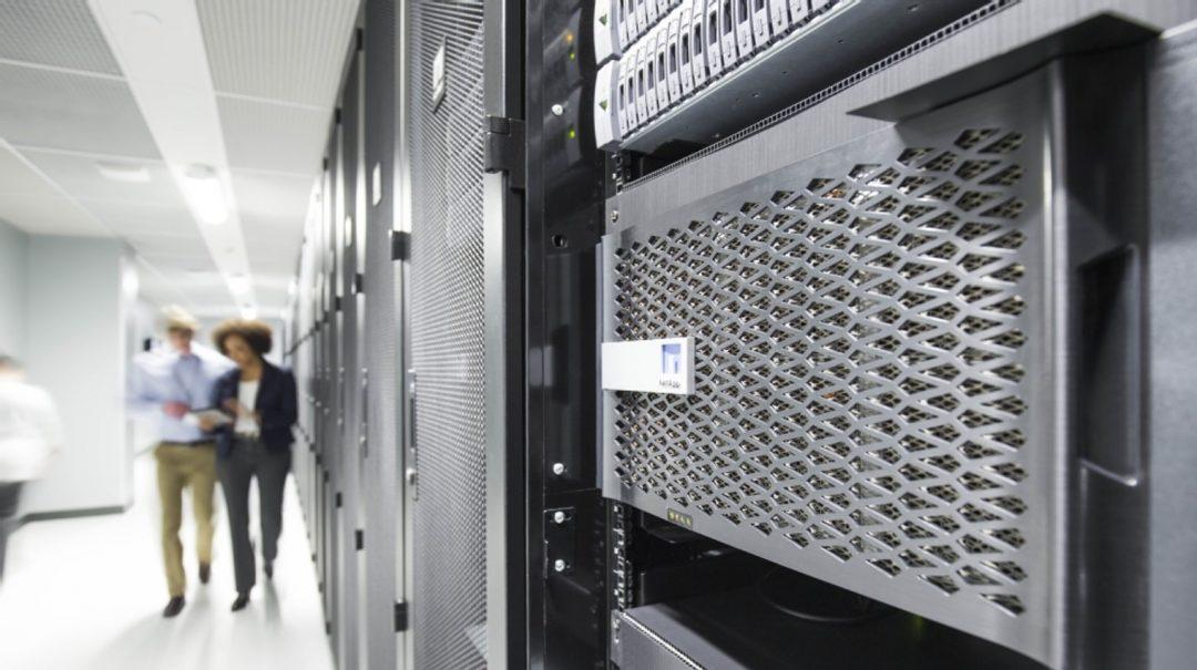 Rack med NetApp lagring